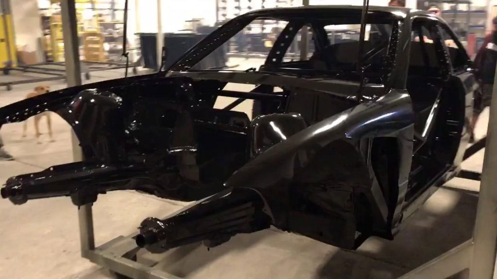 مراحل رنگ کردن بدنه خودرو در کارخانه